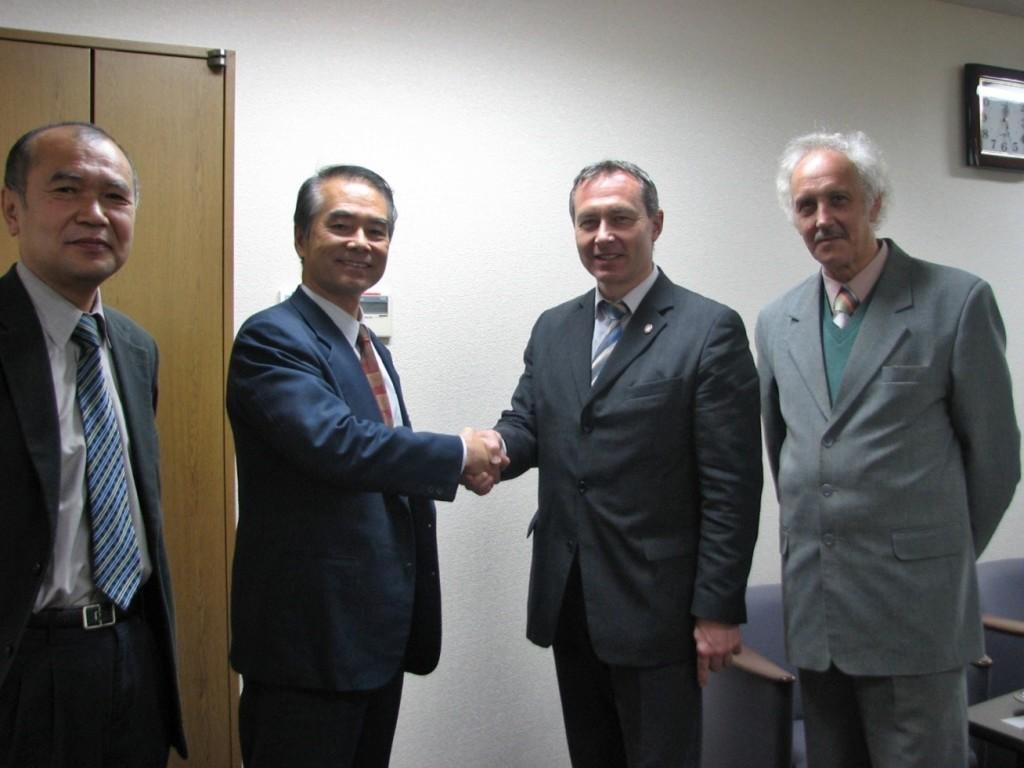 Jednání s děkanem Faculty of Engineering, Kyushu University, Japonsko